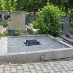 2 - hrob před odhalením desky